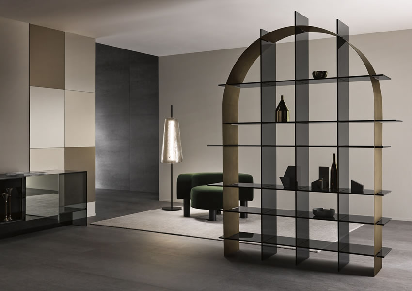 Freestanding glass bookcase Paradigma with arch structure